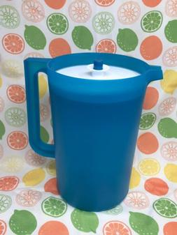 Tupperware Classic 1 Gallon BLUE Pitcher with WHITE Push But
